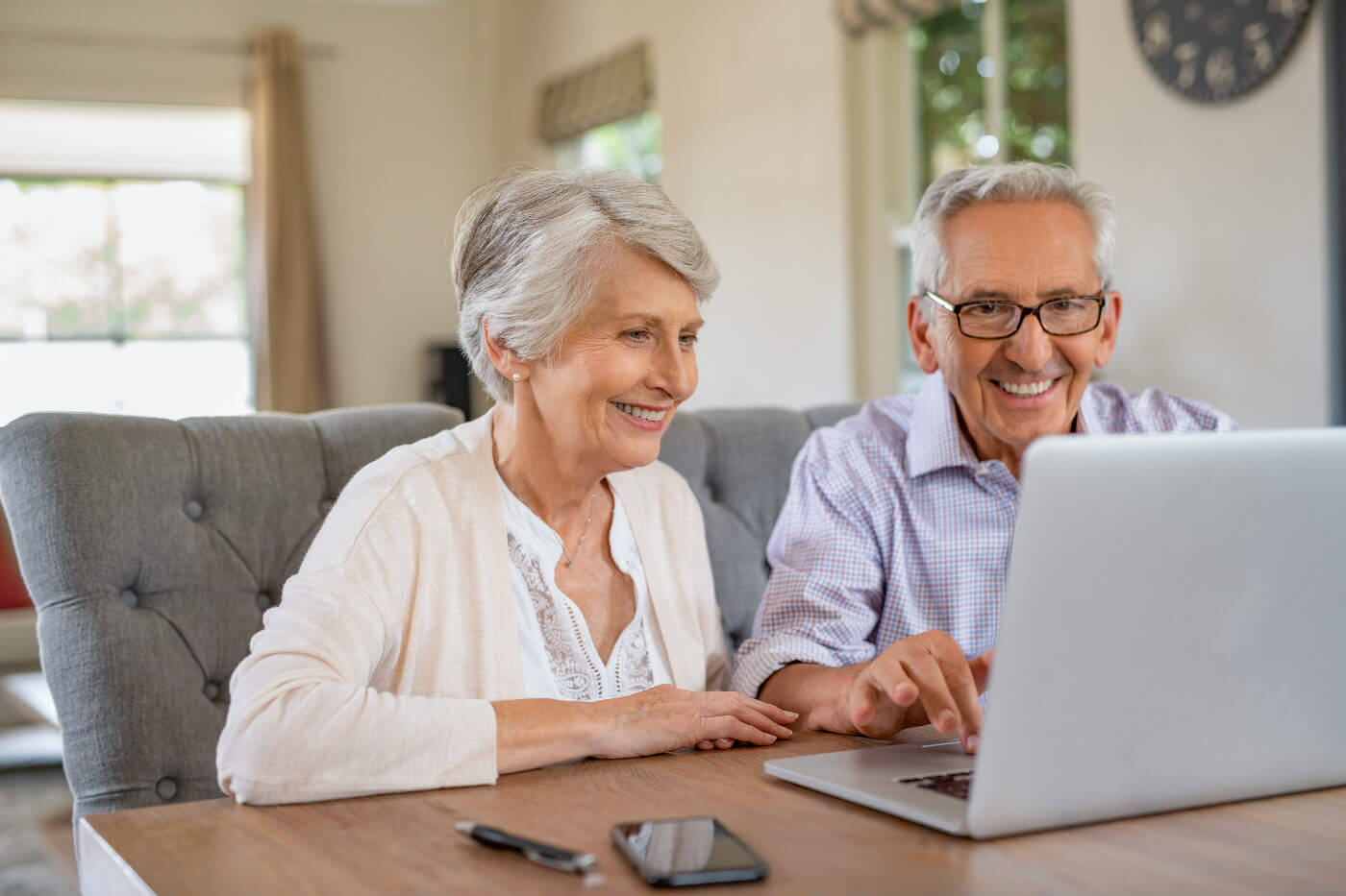 Best Laptop For Elderly Beginner Reviews 2020